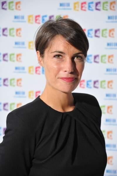 Alessandra Sublet et sa coupe courte effet boule, en 2011 à Paris