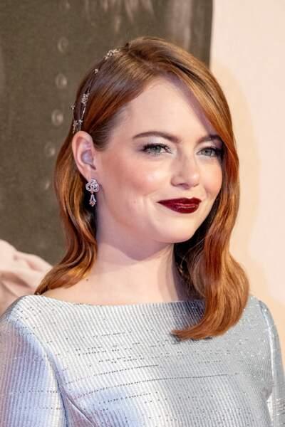 Les ondulations légères et sexy de la belle Emma Stone.