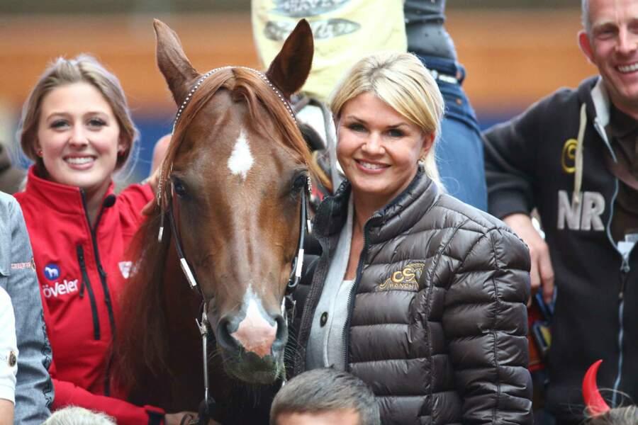 Gina-Maria, la fille aînée de Corinna et Michael Schumacher était aussi présente durant la soirée