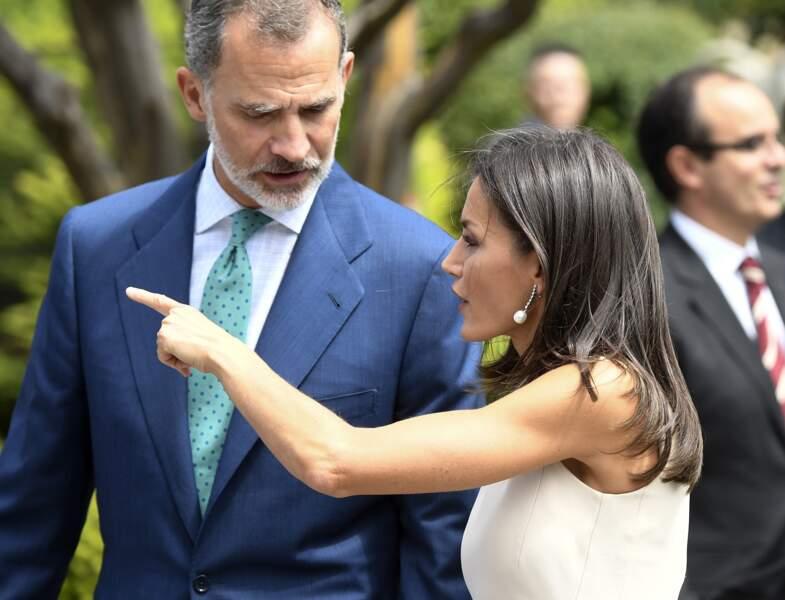 """Le roi Felipe VI et la reine Letizia d'Espagne à la sortie de l'expo""""El viaje mas largo"""" à Seville le 12 septembre"""