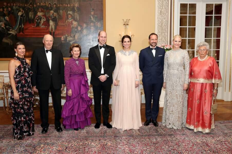 Kate Middleton en Alexander McQueen au palais royal à Oslo le 1er février 2018