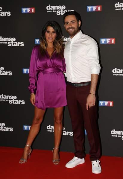 Karine Ferri ose la robe/en soie rose qui tire vers le violet au photocall de Danse avec les Stars.