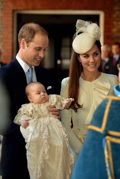 Le prince William et la duchesse de Cambridge lors du baptême du prince George