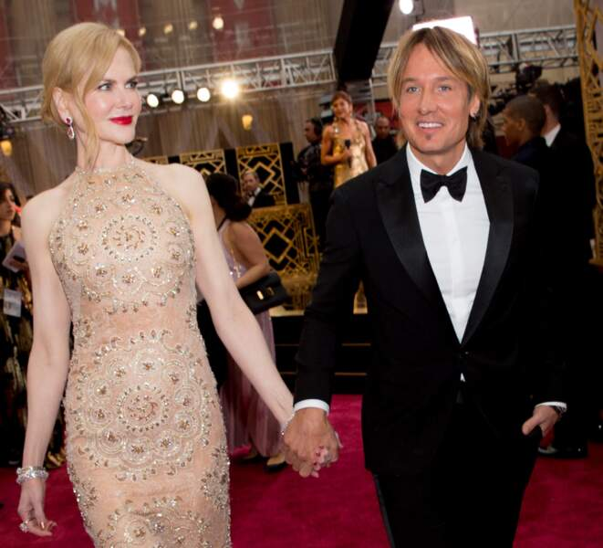 Nicole Kidman et Keith Urban main dans la main.