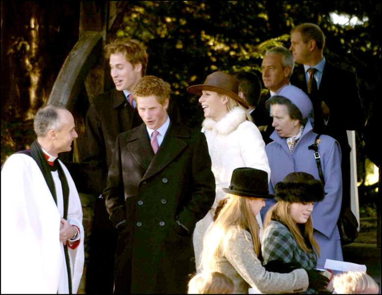 Eugénie d'York et Béatrice d'York, avec leurs cousins, les princes William et Harry, en décembre 2001
