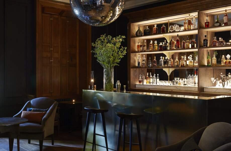 """Le superbe bar de l'hôtel """"Heckfield Place"""""""