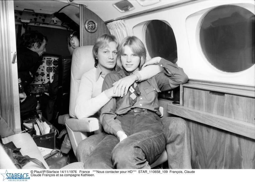 Claude François et sa compagne Kathalyn Jones en 1976