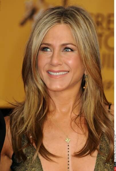 2015 : Jennifer Aniston adopte le tye and dye