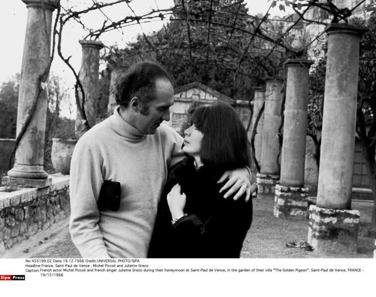 Michel Piccoli et Juliette Gréco en lune de miel à Saint-Paul de Vence, en 1966