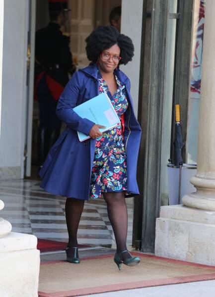 Née et élevée à Dakar jusqu'à son adolescence, Sibeth Ndiaye a fièrement obtenu sa naturalisation française en 2016