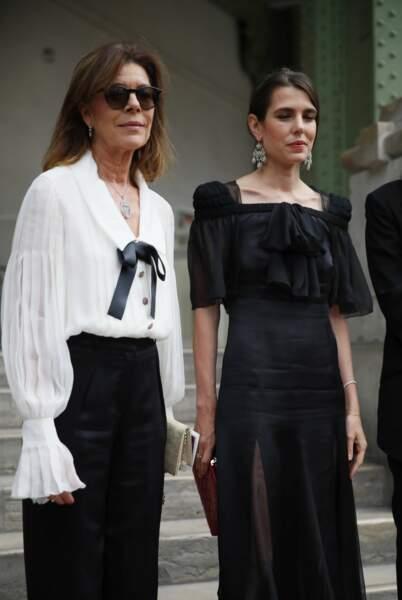 Caroline de Hanovre et Charlotte Casiraghi lors de la soirée-hommage à Karl Lagerfeld, à Paris, le 20 juin 2019.