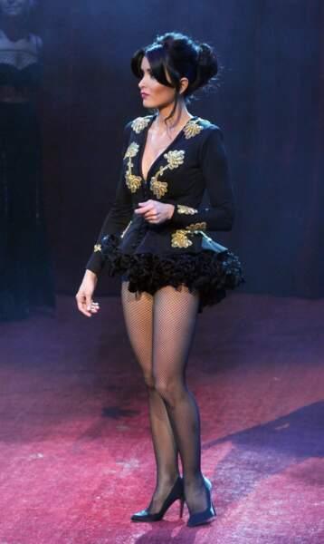 Vêtue très court au cirque d'Hiver