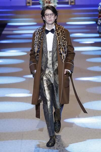 Charlie Oldman, 18 ans, le fils très élégant de l'acteur Gary Oldman lors du défilé Dolce & Gabbana