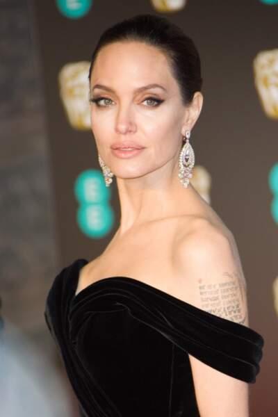 Angelina Jolie, le sourcil hollywoodien dans toute son élégance