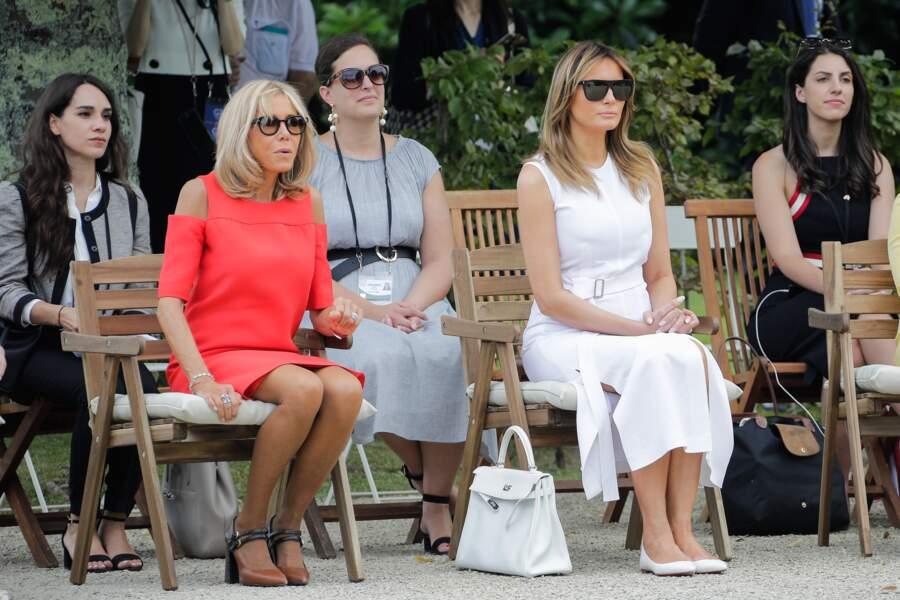 Brigitte Macron entourée des autres conjoints, en marge du G7, à Espelette, le 25 août 2019.