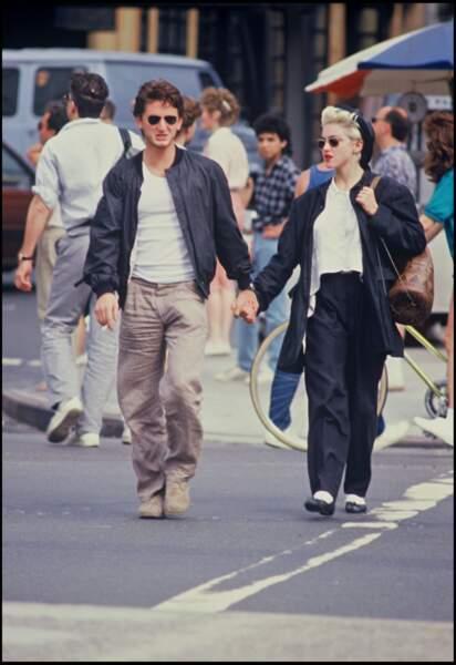 Madonna et Sean Penn dans la rue en 1986