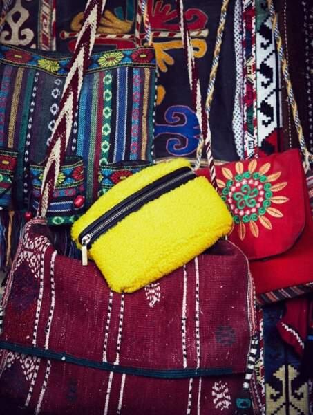 Le sac banane : En cuir et peau lainée Fratelli Rossetti.