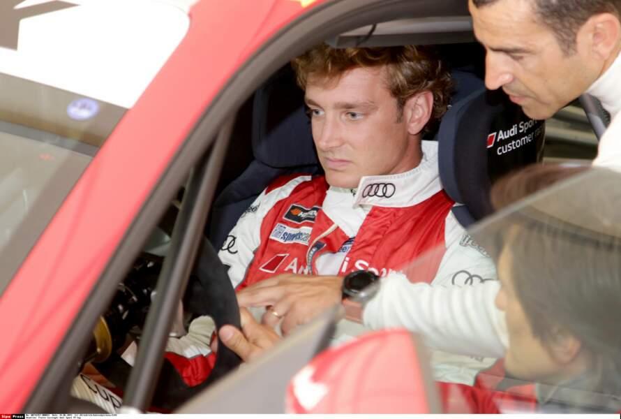 Passionné de vitesse, Pierre Casiraghi au volant d'une Audi Sport
