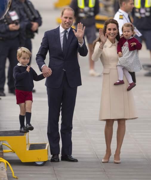 William et Kate, accompagnés de George et Charlotte, en voyage au Canada en octobre 2016