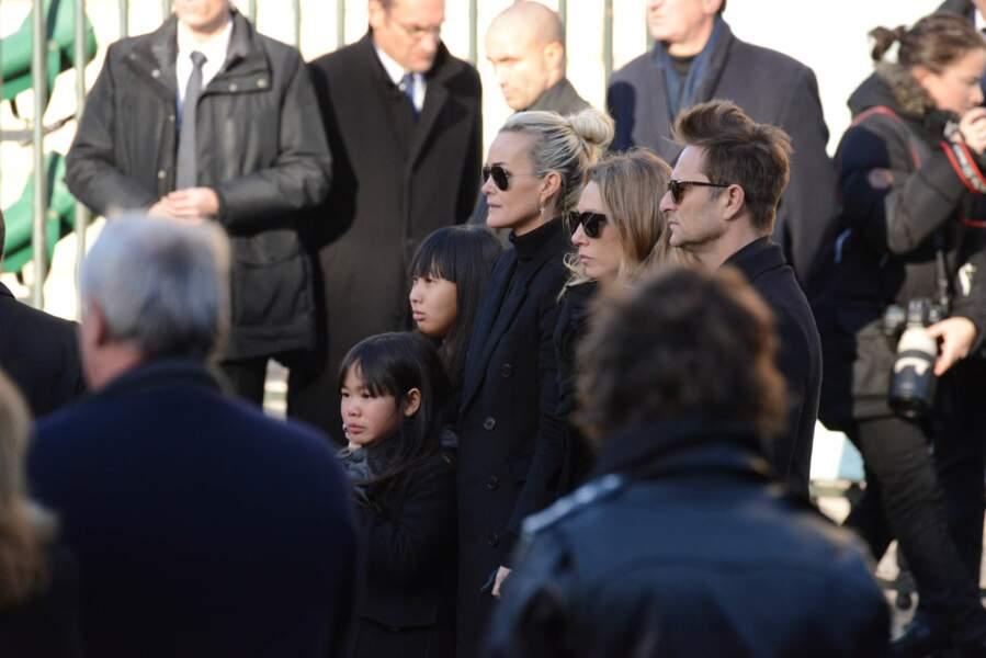 Jade, Joy, Laeticia Hallyday, Laura Smet et David Hallyday à l'église de la Madeleine le 9 décembre 2017