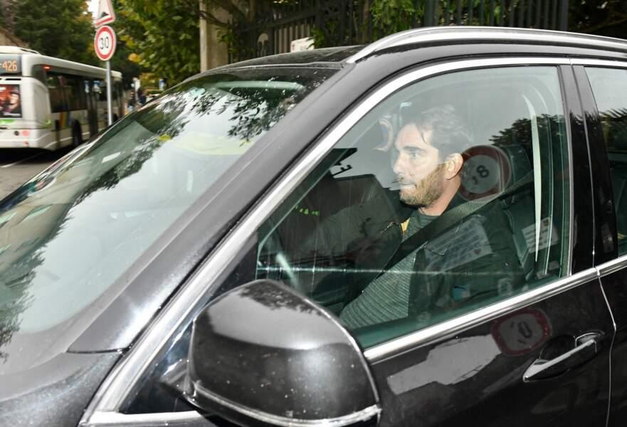 Sébastien Farran quitte le domicile de Laeticia Hallyday à Marnes-la-Coquette, le 7 octobre 2017