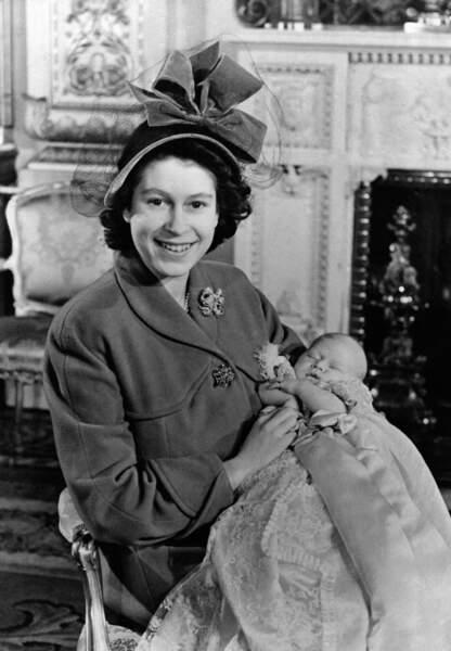 Le Prince Charles fait la joie de sa mère