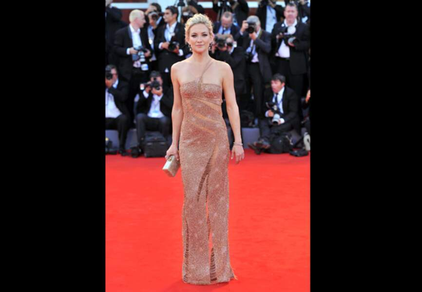 Kate Hudson, divine en Atelier Versace