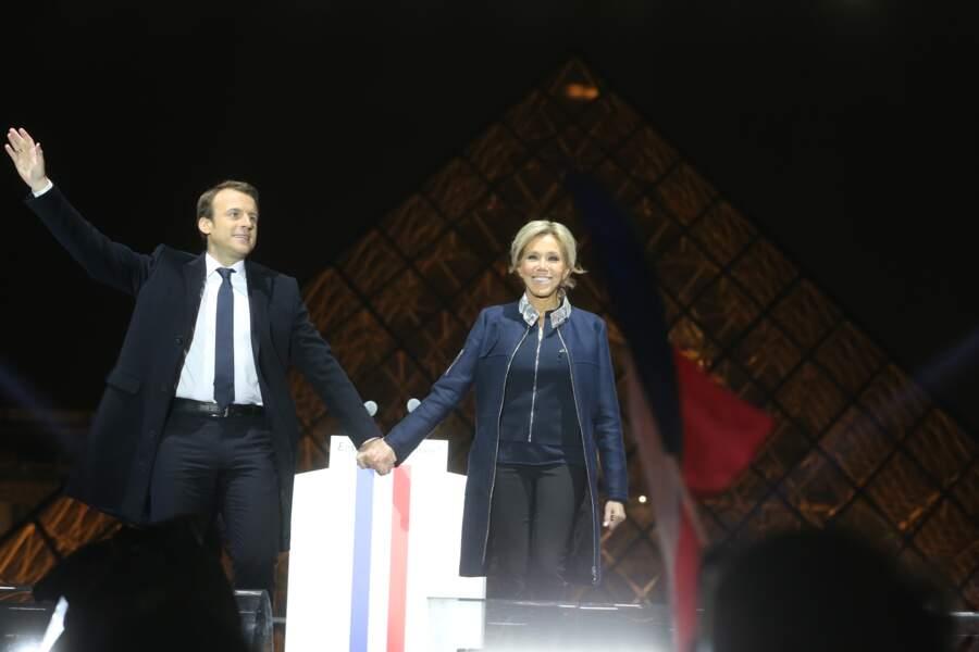 Le président-élu, Emmanuel Macron, prononce son discours devant la pyramide au musée du Louvre, le 7 mai 2017.