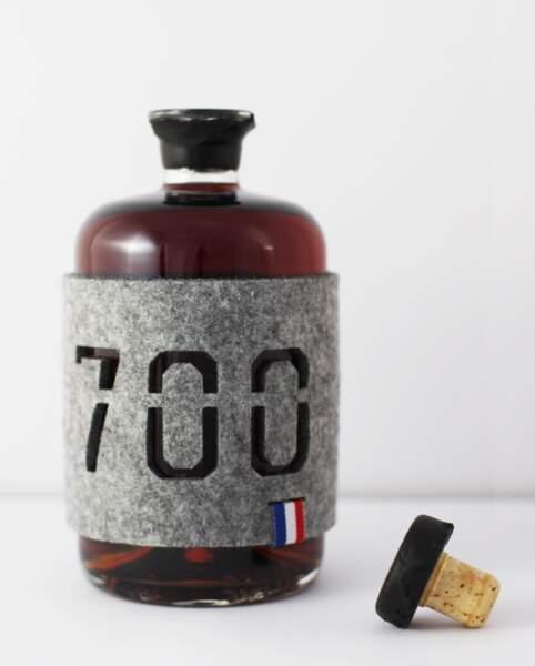 Bouteille d'alcool Armagnac 700, 135 € (Armagnac 700 par Louis-Marie de Castelbajac).