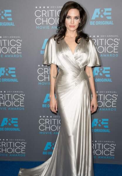 Angelina Jolie en Versace