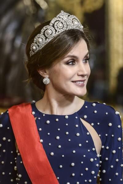 La reine Letizia d'Espagne somptueuse avec sa tiare Cartier