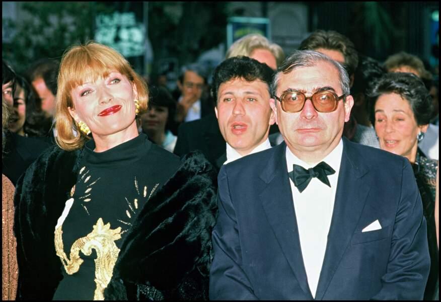 """Claude Chabrol et son épouse Stéphane Audran au festival de Cannes pour le film """"Poulet au vinaigre"""""""