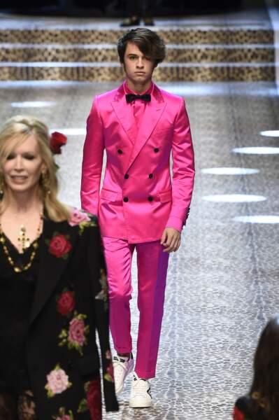 Dylan Jagger Lee défile pour Dolce & Gabbana à la Fashion Week de Milan le 26 février 2017