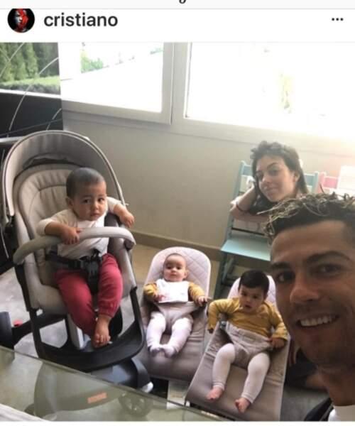 Cristiano Ronaldo et sa petite famille