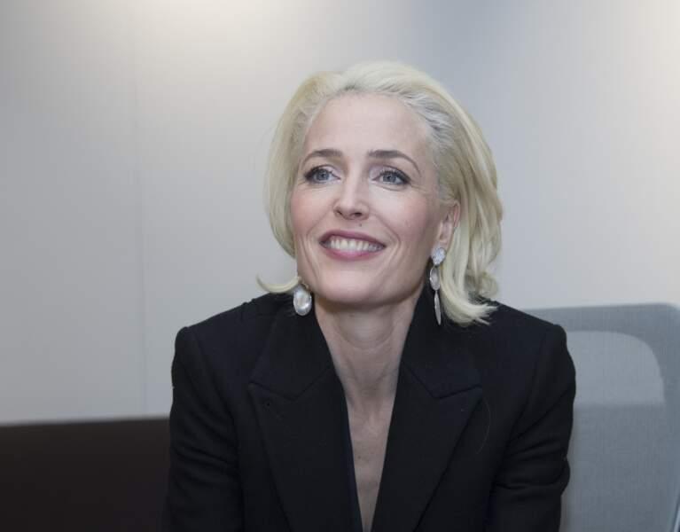 """Gillian Anderson (50 ans), actuellement à l'affiche de la série """"Sex Education"""" sur Netflix, en 2018 à Los Angeles"""