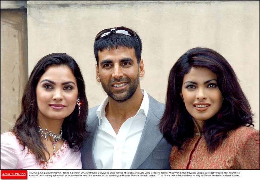 """Priyanka Chopra avec Akshay Kumar, en 2003 pour la promotion du film """"Andaaz"""""""