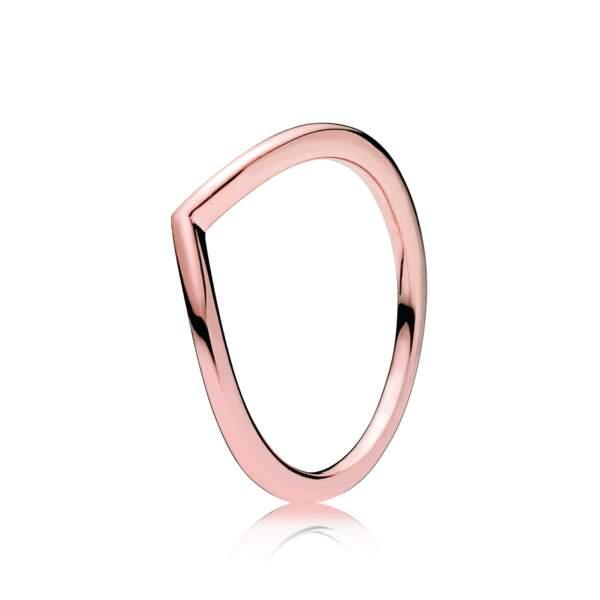 Linéaire, bague voeu brillant rose Pandora, 39 € (pandora.net)