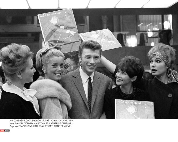 Johnny Hallyday et Catherine Deneuve, en 1961.