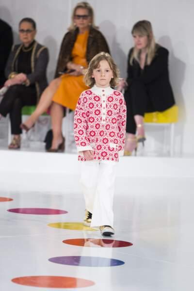 """A 7 ans, lors du défilé croisière Chanel """"Paris-Séoul"""""""