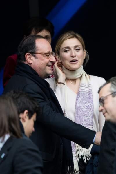 François Hollande et sa compagne Julie Gayet devant France-Angleterre