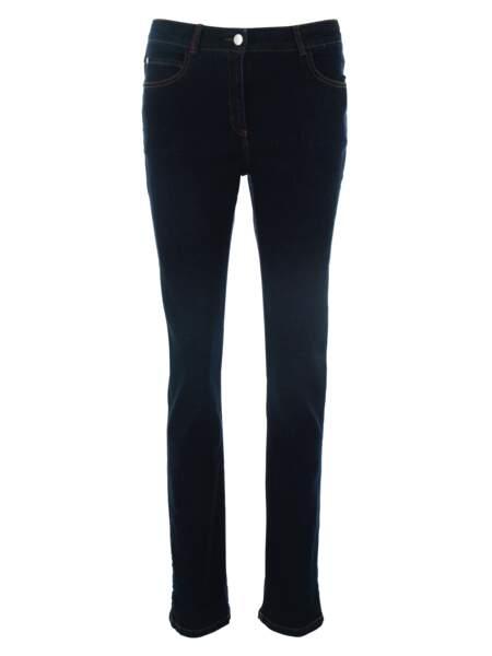 Basique, jeans noir à coutures contrastantes, 75 € (Armor Lux).