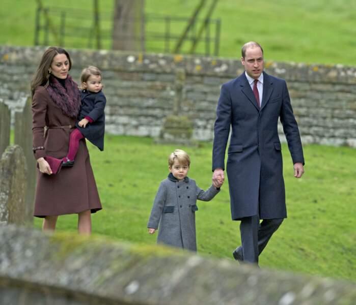 Kate, Charlotte, George et William, lors de la messe de Noël à Englefield le 25 décembre 2016