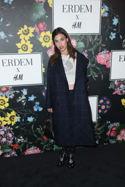 Rainey Qualley à la soirée H&M x ERDEM au Ebell Club à Los Angeles, le 18 octobre 2017