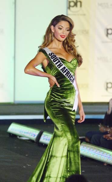 Demi-Leigh Nel-Peters : un corps parfait et longs cheveux ondulés