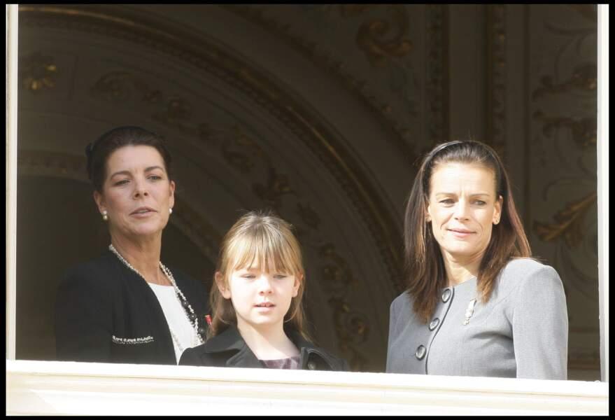 Alexandra de Hanovre, sa mère Caroline et la princesse Stéphanie lors de la fête monégasque le 19 novembre 2009