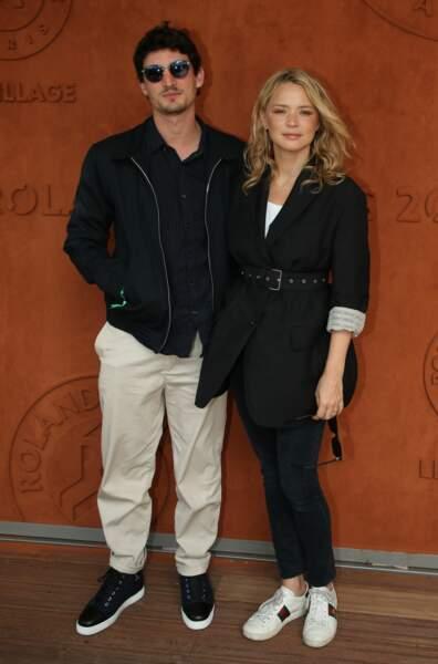 Virginie Efira et Niels Schneider forme un magnifique couple à Roland Garros, le 8 juin 2019