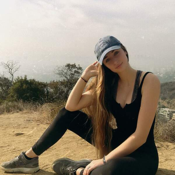 Emma Smet lors d'une randonnée au Runyon Canyon Park de Los Angeles en décembre 2017
