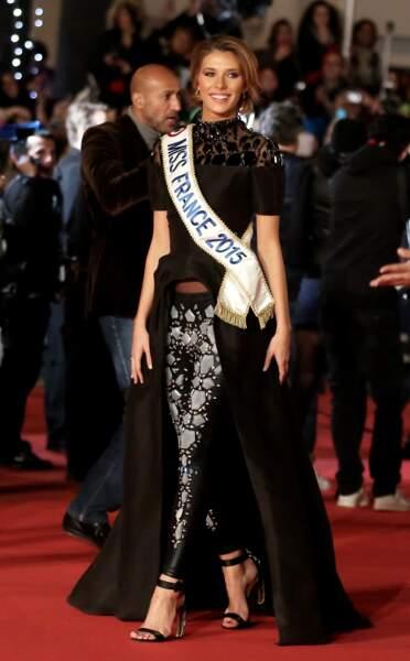 Camille Cerf, le 13 décembre 2014 sur le tapis rouge des NRJ Music Awards à Cannes