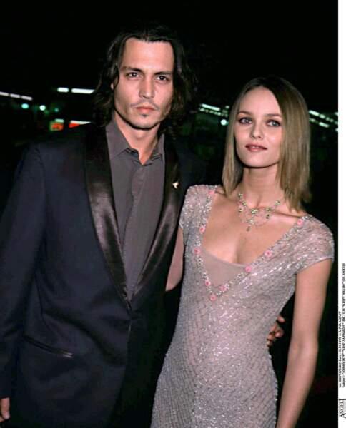 """Johnny Depp et Vanessa Paradis à la première de """"Sleepy Hollow"""" à Los Angeles (1999)"""
