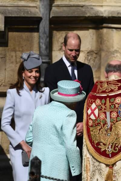 Kate Middleton n'a pas manqué de faire la révérence à Elizabeth II, qui fêtait aussi ses 93 ans, ce 21 avril 2019